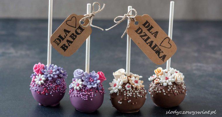 Cynamonowe cake pops z kwiatami