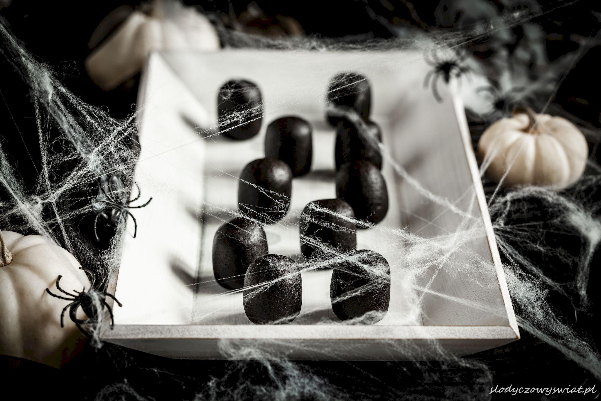 Strony z mumiami cukru