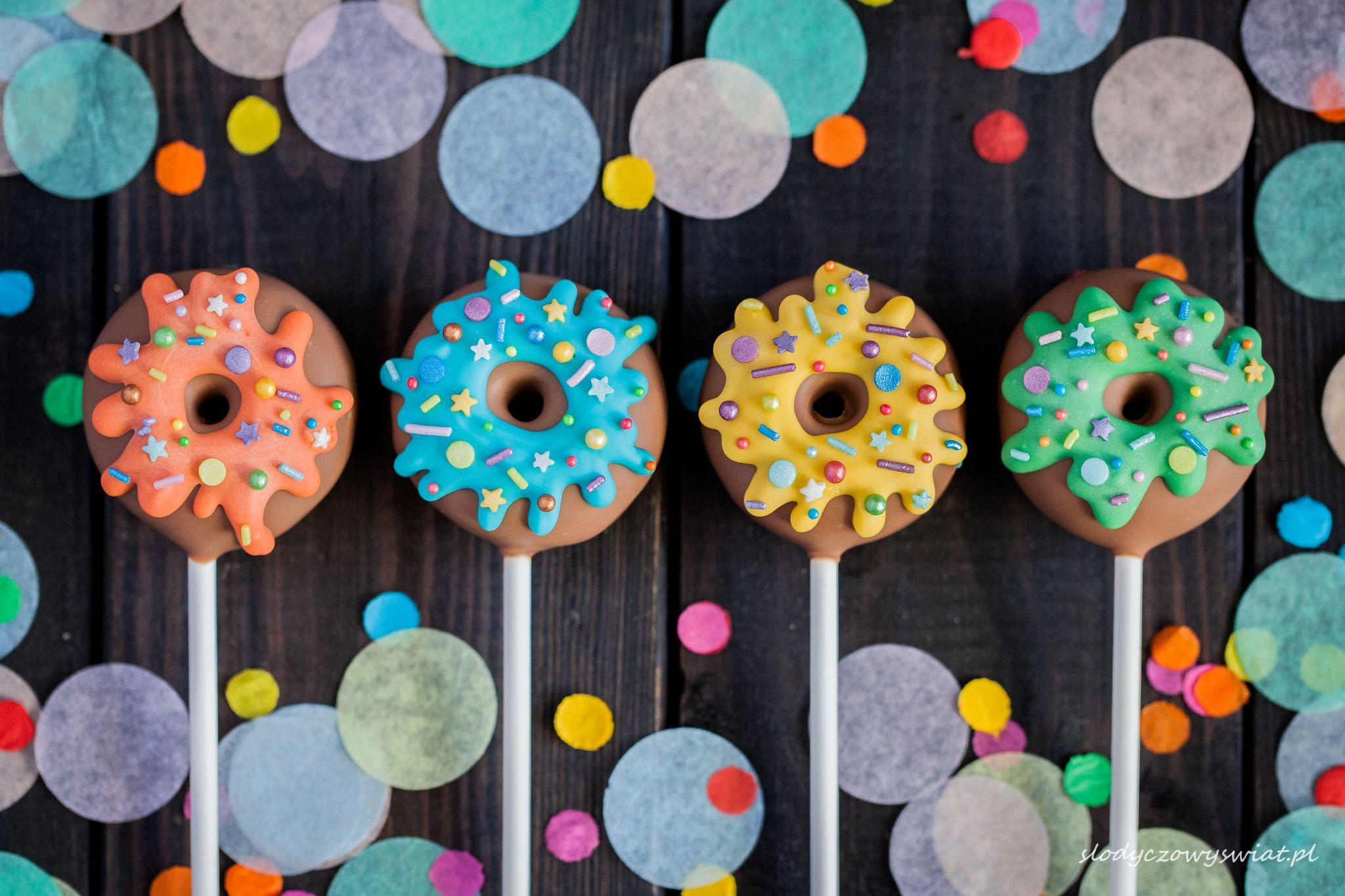 Donut cake pops